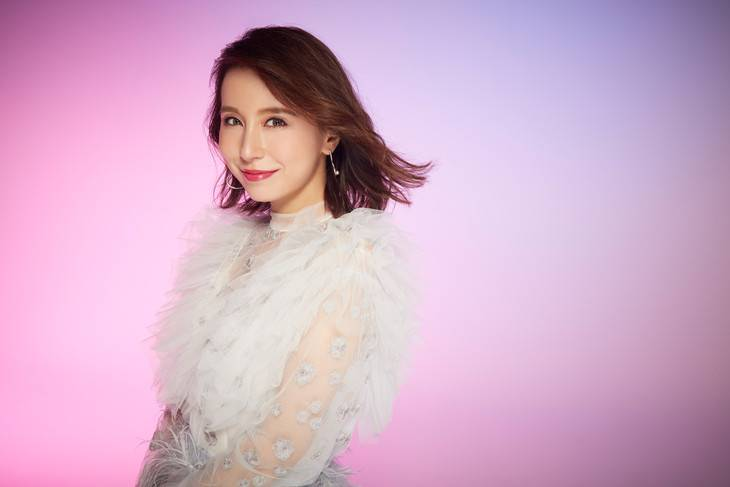 May J. covers album Heisei Love Song Covers promotional picture